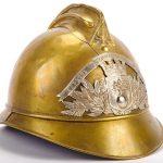 Un vecchio casco dei sapeurs-pompiers de Paris, i pompieri parigini